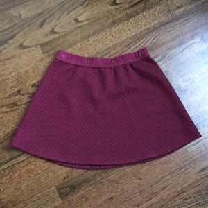 Adorable maroon skirt, cute patterned fabric